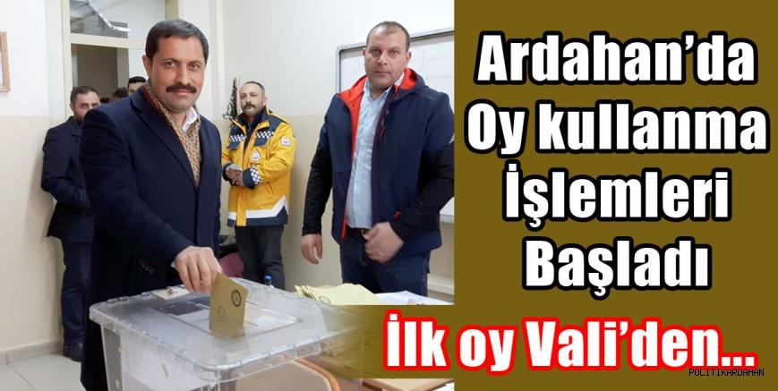 Ardahan'da oy kullanma işlemleri başladı