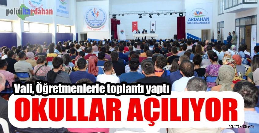 Okullar açılıyor…
